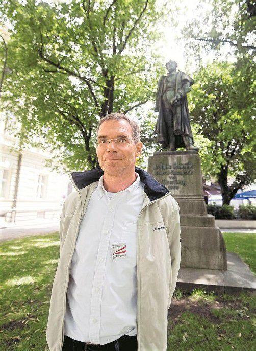 Beim Anton-Schneider-Denkmal schaut Christoph Jungblut gern  vorbei. Foto: VN/Rhomberg