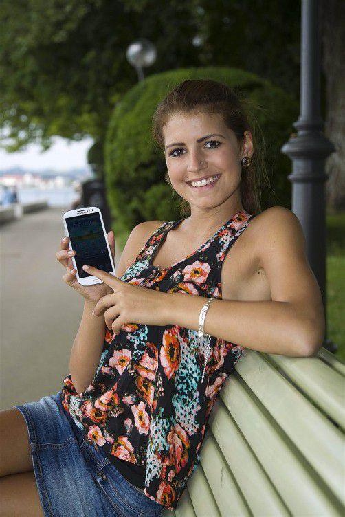Das Samsung Galaxy S3 ist mit 4,8 Zoll zwar richtig groß, liegt aber trotzdem sehr gut in der Hand. Foto: VN/Paulitsch