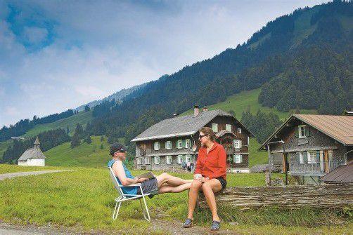 Das idyllische Vorsäß Schönenbach bietet Erholung pur – neun der 30 Häuser können zeitweise gemietet werden. Fotos: Ludwig Berchtold
