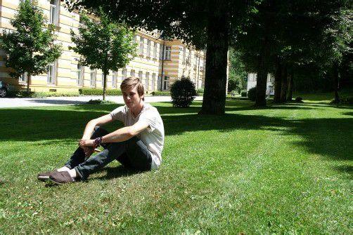 Der Feldkircher Schlagzeuger genießt die Sonnenstrahlen bei seinem Lieblingsplatz im Reichenfeld.