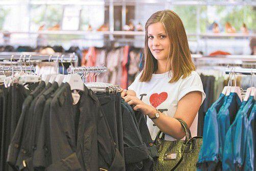 Der Sommerschlussverkauf bringt eine sehr gute Nachfrage. Foto: VN