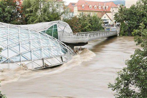 Die Murinsel in Graz musste am Wochenende aus Sicherheitsgründen gesperrt werden. Foto: APA
