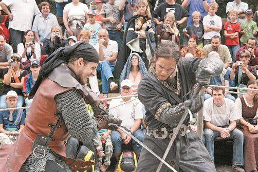 Ein buntes Programm mit zahlreichen Ritterspielen und Shows für Groß und Klein wird bei der Palastbelagerung geboten. Foto: Palast