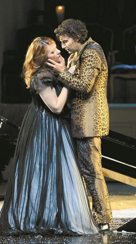 Emily Magee als Ariadne, Jonas Kaufmann als Bacchus. Foto: APA