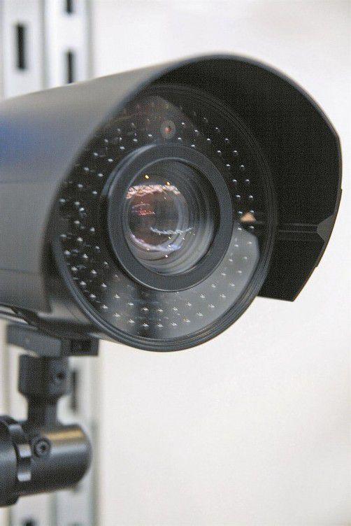 Experten schätzen, dass bereits auf jeden achten Österreicher eine Überwachungskamera entfällt. Fotolia