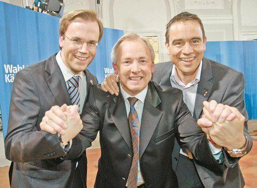 FPK-Spitze im Jahr 2009: Gerhard Dörfler (Mitte) mit Finanzlandesrat Dobernig (l.) und Parteichef Scheuch, gegen die in der Causa Birnbacher ermittelt wird. Foto: APA
