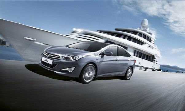 Hyundai i40: Nach der Premiere des Kombi im Vorjahr stand die Limousine Anfang 2012 am Start.