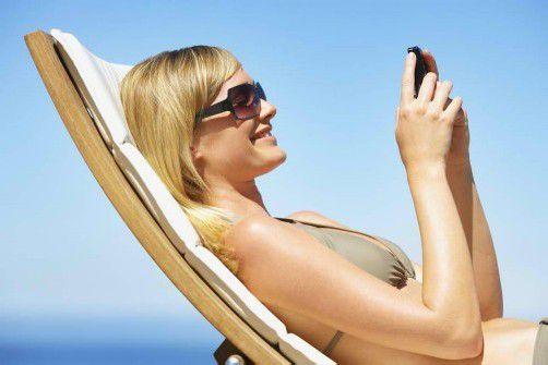 Immer häufiger bleibt die Erhohlung im wohlverdienten Urlaub aufgrund von Smartphones auf der Strecke. Foto: shutterstock