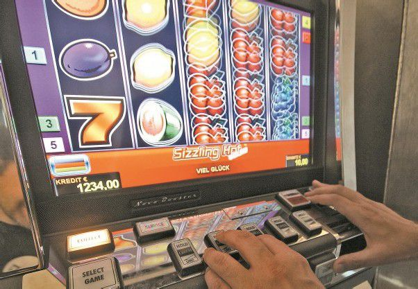In Vorarlberg ist das kleine Glücksspiel zwar verboten, trotzdem gibt es auch hierzulande immer mehr Spielsüchtige. Foto: APA
