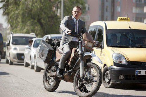 James Bond fährt eine Honda CRF 250 R. Foto: Werk