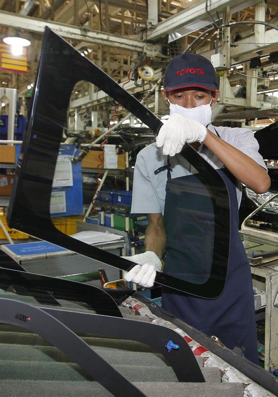 Japans Unternehmen profitieren von einer anhaltend guten Kauflaune der Verbraucher. Foto: Epa