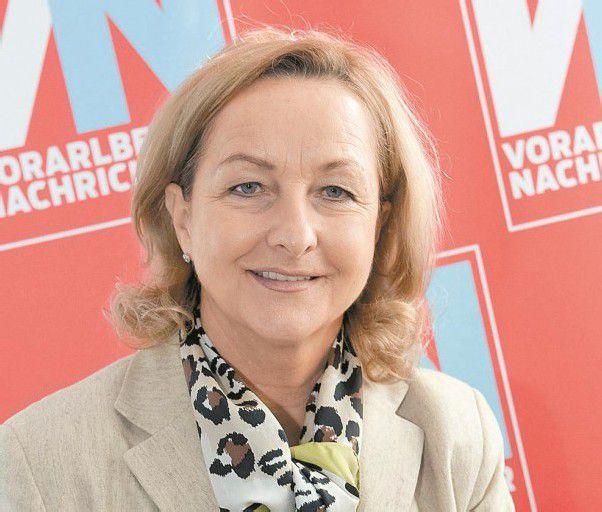 Maria Fekter (55), Finanzministerin (ÖVP) Das wichtigste Regierungsmitglied nach dem Kanzler ist die Finanzministerin: Sie sitzt auf dem Geld und entscheidet, wohin die Milliarden fließen. Fekter nützt die Rolle und prägt als VP-Politikerin nebenbei den Parteikurs maßgeblich mit.