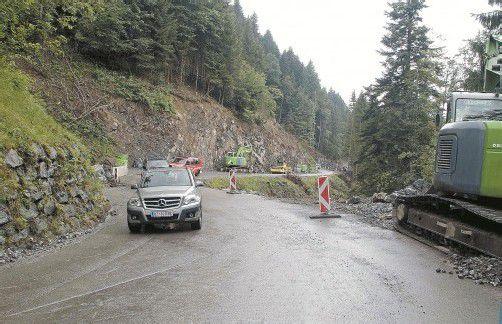 Läuft auf Hochtouren: Ausbau der Straße nach Raggal. HRONEK