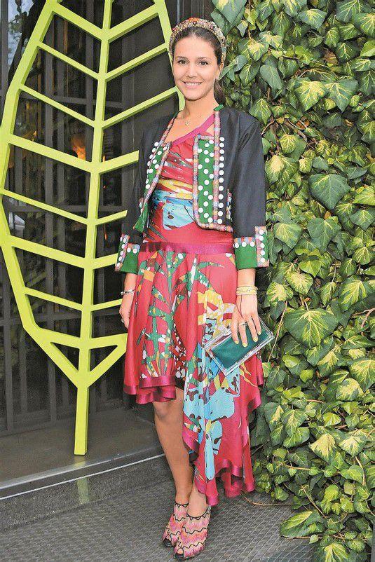 Margerita Missoni begeisterte mit ihrem farbenfrohen Outfit nicht nur die Anhänger des italienischen Modehauses. Foto: Getty Images