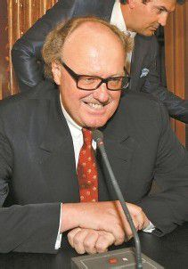 Mensdorff-Pouilly soll auch für Eurocopter tätig gewesen sein