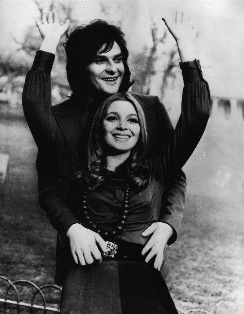 """Mit """"Immer wieder sonntags"""" oder """"Spaniens Gitarren"""" feierten Cindy & Bert große Erfolge."""