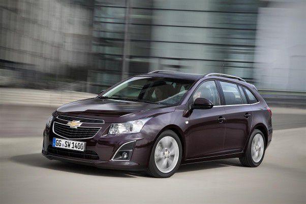 Mit der Kombi-Version namens Wagon ist das Cruze-Modellvarianten-Trio komplett. Die Motoren: zwei Diesel, drei Benziner. fotos: chevrolet