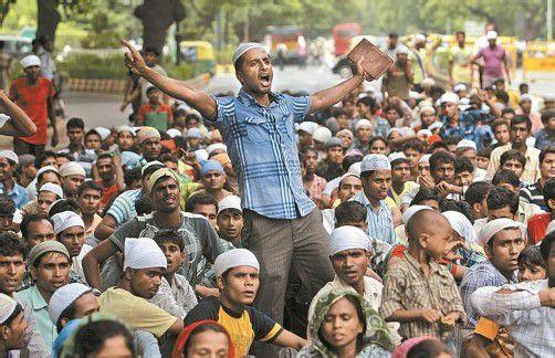 Muslime protestierten gegen die Gewalt in Nordindien. Foto: AP