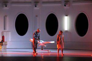 Festspielstart mit Uraufführung Solaris führt spannend ins All /D5