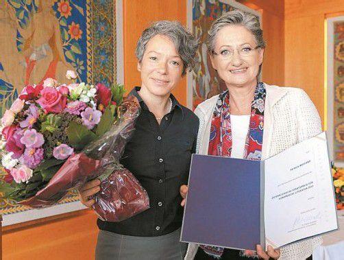 Patrick Modiano mit Bundesministerin Claudia Schmied. Foto: APA