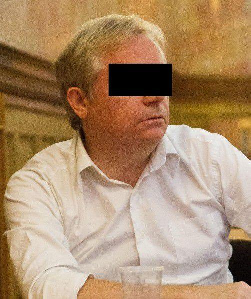 Peter H., 50 Ex-Buchhalter Ersturteil: 5 Jahre unbedingte Haft wegen Amtsmissbrauchs als Beitragstäter in 3 Fällen und gewerbsmäßigen schweren Betrugs in zwei Fällen OGH-Urteil: Urteil teilweise aufgehoben