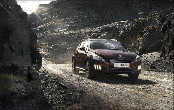 Peugeot 508 RXH: Schicker Franzosen-Kombi in bewusst robustem Offroad-Look. Foto: werk