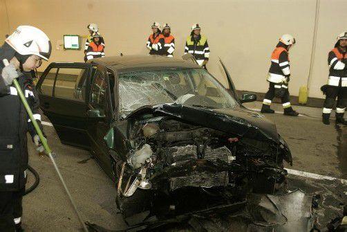Schwerer Frontal-Crash in neuer Pfänderröhre - Sieben Verletzte