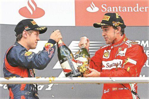 "Sebastian Vettel zollt Fernando Alonso Respekt: ""Er ist der kompletteste Fahrer der Welt."" Foto: ap"
