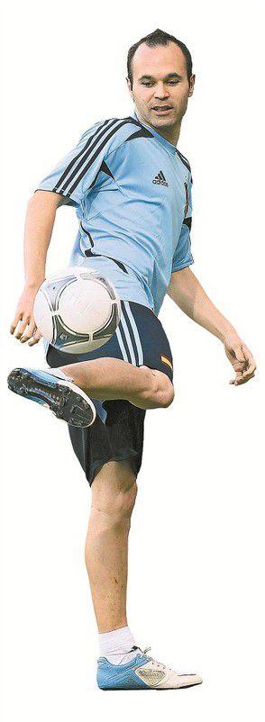"""Seine Ballbehandlung ist außergewöhnlich: Andrés Iniesta führte Spanien zum Finalsieg und wurde zum """"Spieler des Turniers"""" gewählt. Foto: reuters"""