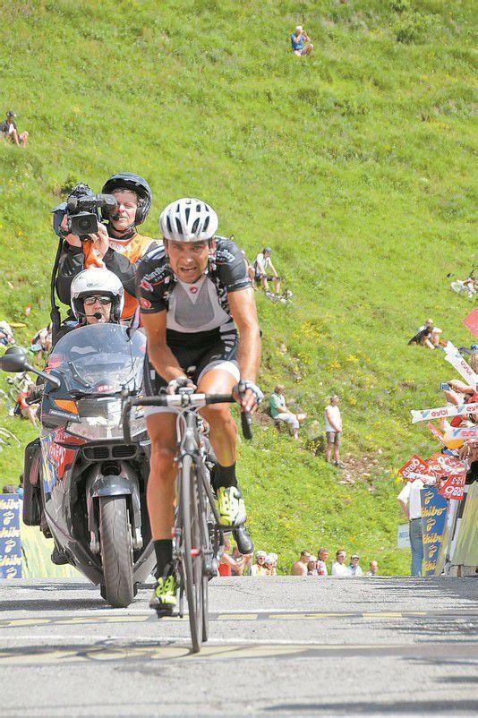 Team-Vorarlberg-Legionär Robert Vrecer zeigte groß auf. Foto: akp