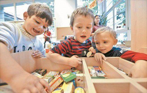 Thema Kinderbetreuung: Ihr Ausbau sei wichtiger als die Erhöhung finanzieller Förderungen, so Leitl. Foto: APA