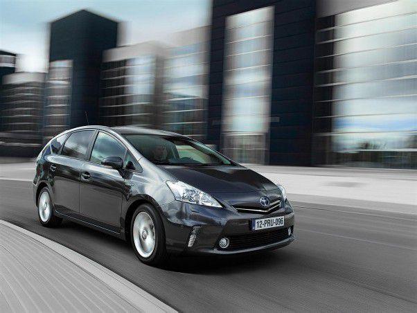 Toyota erweitert seine Hybrid-Baureihe um den Prius Plus. Dahinter stecken sieben Sitze und ein erweiterter Kofferraum.