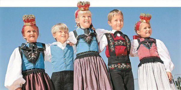 Trachtenkinder aus dem Walsertal beim Landestrachtentag. Fotos: L. Berchtold