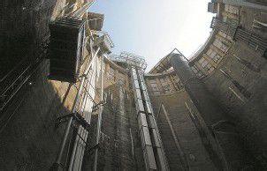 Rhomberg Bau rüstet Weinbergtunnel aus