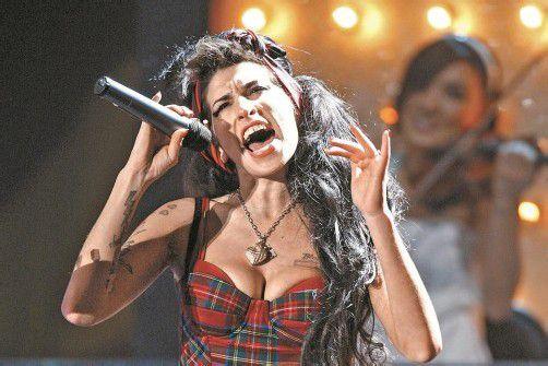 """Von vielen Medien wird die britische Sängerin in den """"Club 27"""" sortiert. Fotos: Reuters"""