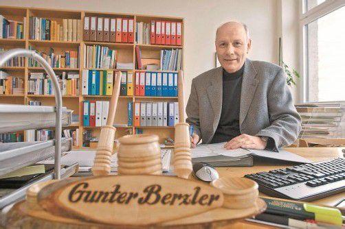 Wann Berzler seinen Arbeitsplatz an der HTL Bregenz räumt, ist derzeit noch offen. Foto: VN