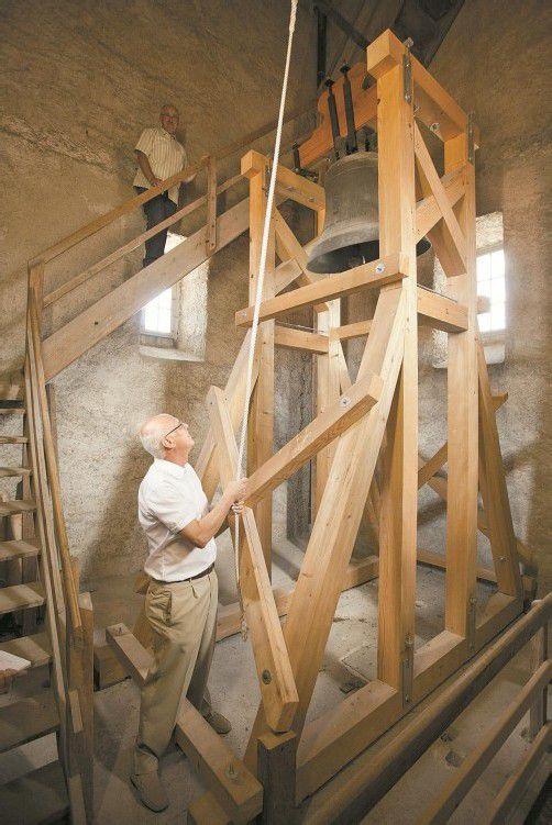 Zum Selberläuten: Eine Glocke aus dem alten Bestand wurde in Höchst behalten. Fotos: VN/Hartinger