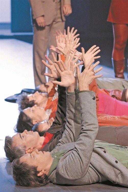 """Gestern Abend auf der Werkstattbühne: Rossinis """"Petite Messe solennelle"""", umgesetzt von Nico and the Navigators. Foto: BF/Anja Köhler"""