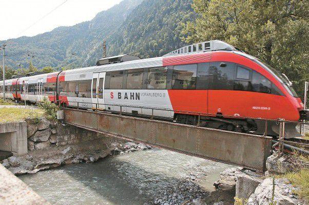 Überfüllte Regionalzüge kurz vor Ferienbeginn. foto: Meznar