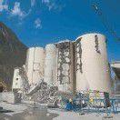 Abbrucharbeiten beim Zementwerk Lorüns auf Hochtouren angelaufen