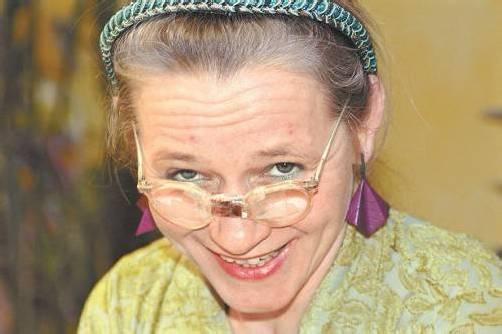 Auch Elke Maria Riedmann bildet am Amateurtheater aus. Foto: LVA