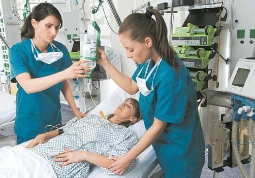 Auch in der Pflege braucht es finanzielle Anreize. Foto: witschel