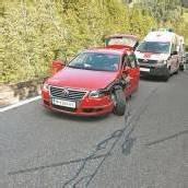 Frontalunfall: Bikerin (54) schwer verletzt