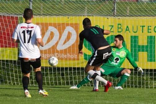 Bereits nach vier Minuten bezwang Ali Yilmaz Bregenz-Torhüter Cetin Batir und erzielte das 1:0 für den FC Alberschwende. Der Vorarlbergligist feierte einen 3:1-Sieg . Foto: steurer