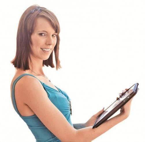 Chat statt Gespräch. Es ist ein paradoxes Phänomen, das sich vielfach in der Gegenwart von Jugendlichen zeigt. Obwohl praktisch gegenübersitzend, wird die virtuelle Kommunikation per Skype, MSN oder ICQ einem gepflegten Gespräch vorgezogen. Warum? Mitunter aufgrund der Smiley-Offensive, die Mimik und Gestik überflüssig machen. Vielleicht aber auch deshalb, weil sich das Geschriebene zumeist mutiger liest, als sich das Gesprochene anhört.