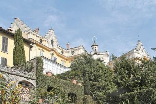 Das Hesse-Museum in Montagnola (l.) breitet sein ganzes Leben aus – rechts die Casa Camuzzi. Fotos: Stinn