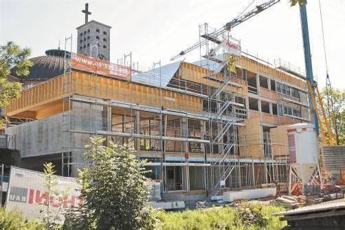 Das neue Pfarrheim Heilig Kreuz in Bludenz nimmt mehr und mehr Gestalt an. Foto: VN/J. Schwald