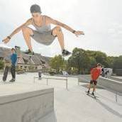 Spielplatz und Pausenhof Oberau: Kinder reden mit