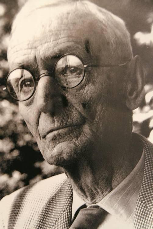 Der berühmte Schriftsteller und Maler Hermann Hesse.