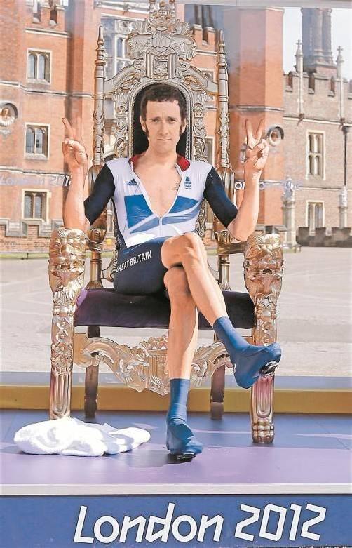 Der neue König von England: Das Land liegt Bradley Wiggins nach der Goldmedaille zu Füßen. Foto: ap